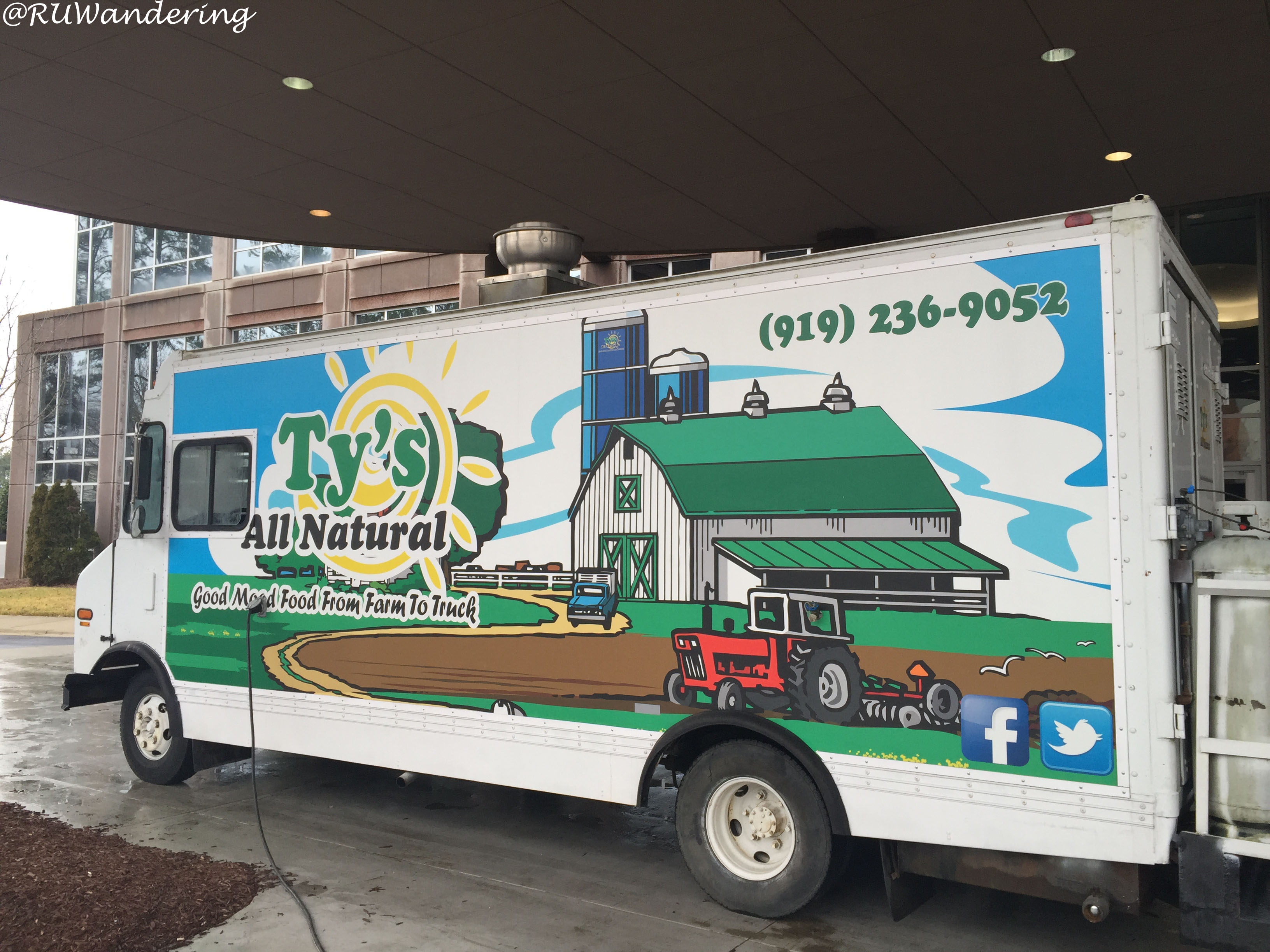 Ty S All Natural Food Truck